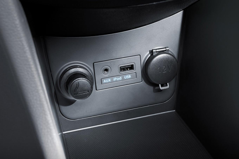 2013 hyundai accent hatchback manual