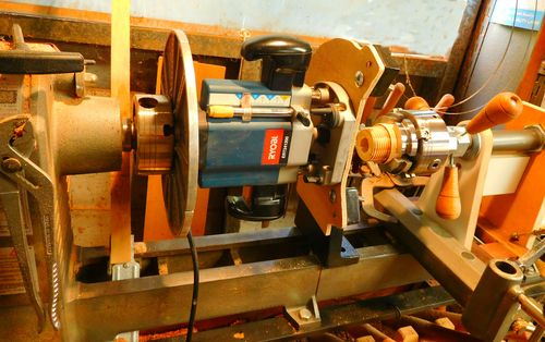 how to cut left hand threads on a manual lathe